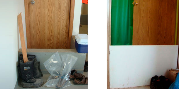 Small wall that marks the point where the removal of shoes is required prior to the shower entrance