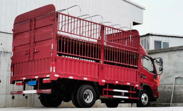 图2.用于转运小动物的内部卡车。由中国DanAg集团提供。